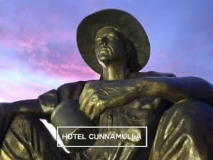 The Cunnamulla Fella sits watchfully overlooking the Hotel Cunnamulla.
